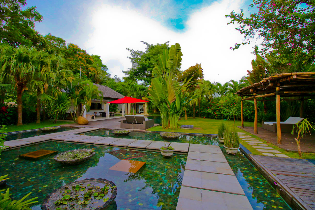The villa with fish pond with clear water awaits you here from another angle